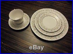 BLYTHE CONTEMPORARY NORITAKE FINE CHINA 20 PIECE SET Dinner for 4 2037