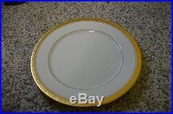 Contemporary Fine China by Noritake Majestic Gold 4290 SET FOR 8
