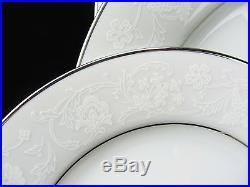 Noritake Contemporary Fine China Baroness 2357 88 Piece Set