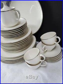 NORITAKE china CANDLELIGHT 7544 pattern 40-piece SET SERVICE for 7 to 8
