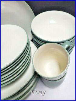 NORITAKE china COLORWAVE GREEN 8485 pattern 32-pc SET SERVICE for EIGHT (8)