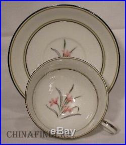 NORITAKE china KENT 5422 pattern 53-piece SET SERVICE for Nine (9) +/