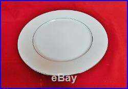 NORITAKE china WHITEHALL 6115 pattern 40-piece SET SERVICE for Eight (8) MINT