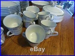 Noritake 12 pl complete dinnerware set Kendal pattern excel cond. 93pc