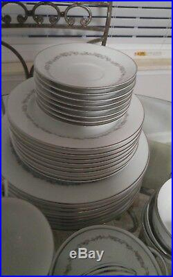 Noritake China Crestmont Set 6013 service for 8, 33 pieces
