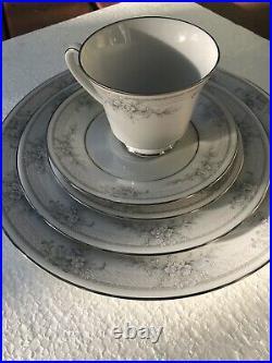 Noritake China Sweet Leilani #3482 Eight Place Settings / 40 Pcs