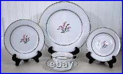Noritake Crest Mid Century China 1953 1964 20 piece set Placesetting for four