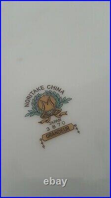 Noritake GRANDEUR China 3870 Dinner Plates (4) and Cup & Saucer (4) Set