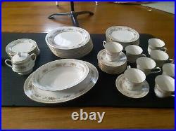 Noritake Homage 7236 Ivory China 8 Piece Set