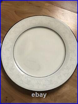 Noritake Ivory China Trudy 7087 Eight Place Settings /40pcs Plus Creamer &sugar