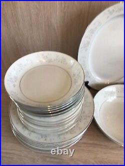 Noritake Japan Fine China Platinum Rose 6 Place Dinner And Tea Set Of 33 Piece