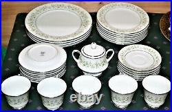 Noritake Savannah (Rim, Platinum) Dinnerware set