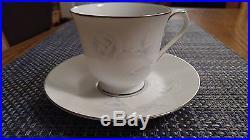 Noritake Virtue 2934 China Blue Rose 60 Pc Set 12 5-Piece Place Settings Mint