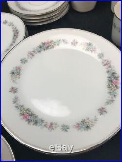 Vintage Noritake Cynthia China Set Five Piece Setting with Service For Five